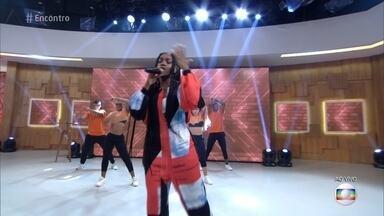 Iza lança música 'Pesadão' no 'Encontro' - Música tem a participação de Falcão