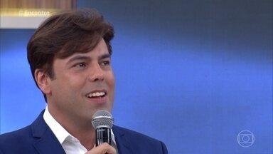 Márcio Gomes faz sucesso com repertório das antigas - Cantor tem uma legião de fãs da terceira idade