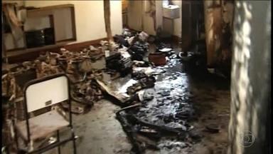 Tragédia em creche de MG tem mais de 40 feridos, quase todos crianças - Cinco crianças e uma professora morreram depois que um vigia ateou fogo nas crianças e nele mesmo. O autor do crime também acabou morrendo.