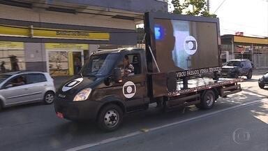 Caminhão da TV Digital está na Avenida Vilarinho, em BH - Veículo dá alerta sobre o desligamento do sinal analógico.