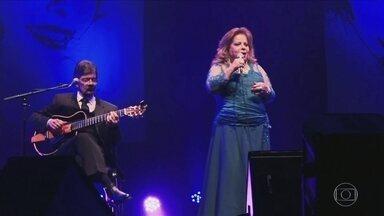 Ângela Maria faz show no Theatro Municipal - O repertório tem músicas de Roberto e Erasmo Carlos.