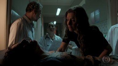 Joyce insiste para que Ivan seja levado para uma clínica - Eugênio afirma para enfermeira que filho foi vítima de violência