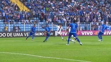 Melhores momentos: Avaí 1 x 2 Vasco pela 27ª rodada do Brasileirão 2017 - Wagner e Andres Ríos marcam para o Cruzmaltino, que sobe para a oitava posição.
