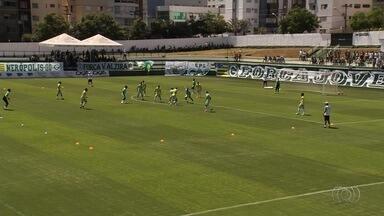 Vila e Goiás se preparam para clássico pela Série B - Enquanto Tigre busca vaga no G-4, Verdão quer se afastar da zona de rebaixamento.