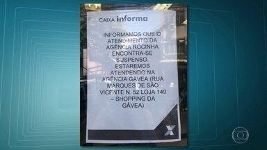 Bandidos atiram granada contra policiais, na estada da Gávea, na madrugada - Caixa Econômica Federal suspende atividades da agência da Rocinha.