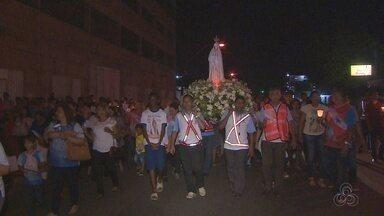 Católicos participam da procissão de Nossa Senhora de Fátima, em Macapá - Igreja Católica celebra 100 anos da aparição da santa.