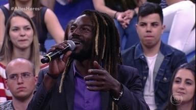 Jonathan diz que gostaria de viver rapper Sabotage no cinema - Serginho relembra momento no Altas Horas