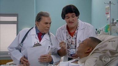 Enfermeiro Zaca segue a orientação médica - Mas tem paciente que não está confortável com a medicação