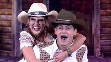 Lucas Veloso é aplaudido pela plateia - Ele e Nathália Melo arrasam no country