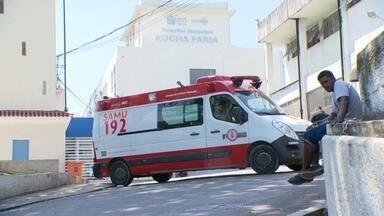 G1 no RJ1: Funcionários do hospital Rocha Faria protestam por salários em dia - Na manhã desta terça-feira (17), funcionários realizaram uma paralisação no atendimento aos pacientes, protestando pelos salários e benefícios atrasados.