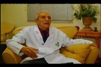 Amigo de Chico Xavier, médico Eurípedes Tahan Vieira morre em Uberaba - Ele era um dos guardiões de um código deixado pelo médium. Eurípedes estava internado no Hospital Doutor Hélio Angotti e morreu na madrugada desta terça (17).