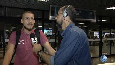 Uillian Correia fala sobre empate de Vitória x Santos - Placar do jogo foi de 2x2.