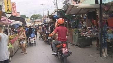 Morador critica falta de infraestrutura em rua no bairro Mutirão em Manaus - Em fevereiro deste ano, um feira que funcionava no local foi removida, mas problemas permanecem