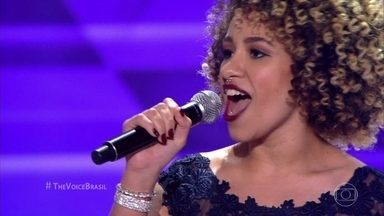 "Manoela Fortuna canta ""Rehab"" - Cantora consegue vaga no time de Michel Teló"