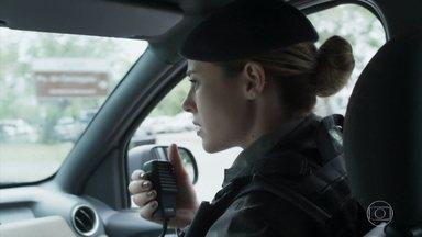 Jeiza é acionada para salvar Simone - Agiota ameaça a filha de Silvana e Dita chama a polícia