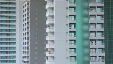 Imóveis mais baratos movimentam o mercado imobiliário - O colunista de finanças pessoais Samy Dana dá dicas na hora de comprar um imóvel.