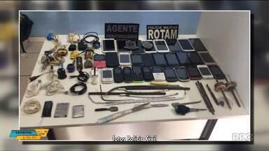 Celulares, drogas e facas são encontrados durante revista na cadeia de Medianeira - A cadeia tem capacidade para 28 presos, mas atualmente está com 71.