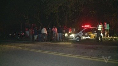 Caminhão perde o controle e mata três no Vale do Ribeira - Acidente aconteceu em Iguape.