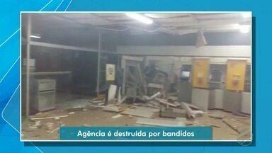 Bandidos explodem agência de Arenápolis com dinamites - Bandidos explodem agência de Arenápolis com dinamites.
