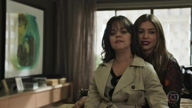 Estela volta para casa e Lívia deixa Sophia uma fera - Amaral questiona Sophia sobre os termos do contrato de casamento de Gael e Clara