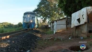 Justiça determina reintegração de posse de área de favela em Rio Preto - Por decisão da Justiça, os moradores da favela do Brejo Alegre, em São José do Rio Preto (SP), vão ter que abandonar os barracos a qualquer momento. O juiz determinou a reintegração de posse da área.