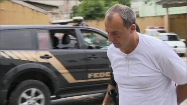 Cabral e outros presos da Lava Jato têm sala de cinema na cadeia - Equipamentos da sala de cinema são de fazer inveja. Televisão de 65 polegadas custa R$ 7,5 mil.