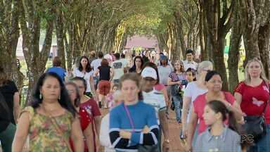 Cemitérios de Foz ficam movimentados durante a manhã de Finados - Celebrações serão realizadas nos cemitérios da cidade.