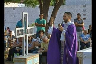 Veja como foi o dia de Finados nos cemitérios de Redenção e Paragominas - O dia de Finados é celebrado nesta quinta, 2
