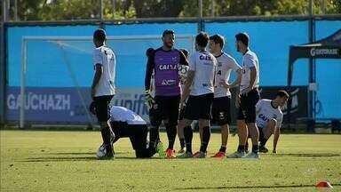 Ceará finaliza treino no CT do Grêmio para duelo - Ceará finaliza treino no CT do Grêmio para duelo
