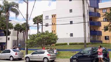 Homem mata ex-mulher e depois é morto pela polícia - O crime foi hoje (02) de manhã no bairro Xaxim, em Curitiba.