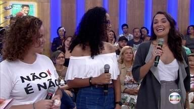 Amigas criam tatuagem temporária contra abuso - Iniciativa começou no carnaval e em 2018 será distribuída em blocos em diversas capitais brasileiras