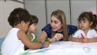 Reportagem fala sobre a profissão do pedagogo - Pedagogia é um dos cursos mais escolhidos.