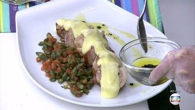Ballotine de Frango - Aprenda a fazer a receita do prato típico francês com molho de hollandaise de limão para acompanhar