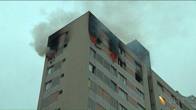 Incêndio em apartamento no Bigorrilho deixa uma pessoa morta e outra ferida - Eles eram irmãos. Um deles se jogou do prédio para fugir do fogo.