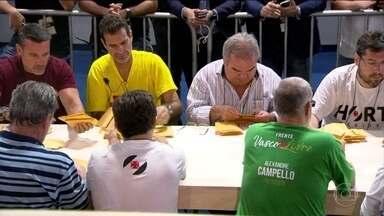 Eleição para presidente do Vasco acaba, mas não ainda não tem nome - Urna da discórdia levou a votação para a justiça entre Brant e Eurico.
