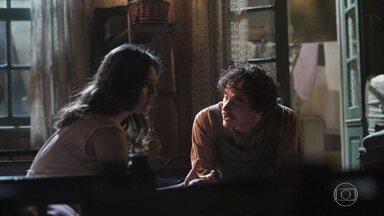 Helena se preocupa com a irmã - Giuseppe tenta acalmá-la e diz que vai dar tudo certo