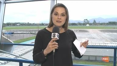 Aeroporto de Joinville recebe equipamento que facilita pouso de aeronaves - Aeroporto de Joinville recebe equipamento que facilita pouso de aeronaves