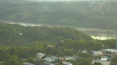 Vazão do Rio Paraná está acima do normal - Rio subiu seis metros na região da Ponte Internacional da Amizade.