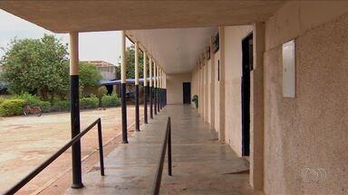 Servidora relata tristeza após aluna ser morta em escola de Alexânia, GO - Crime chocou a cidade.