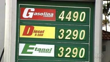 Polícia Civil investiga formação de cartel entre postos de combustíveis de Goiânia - Procon também faz pesquisa para verificar a pratica criminosa. Na capital, o valor da gasolina chega a R$ 4,49 e o etanol, R$ 3,29.