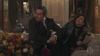 Celeste passa mal - Preocupado, Reinaldo decide interná-la
