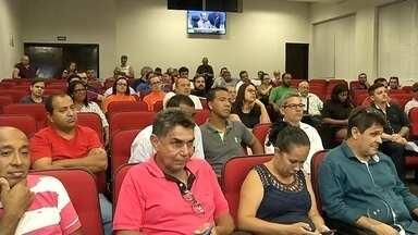 Audiência pública discute aumento do IPTU em Araçatuba - Mais um capítulo na polêmica de aumento do IPTU em Araçatuba (SP). Moradores participaram nesta quinta-feira (10) de uma audiência pra discutir o assunto.