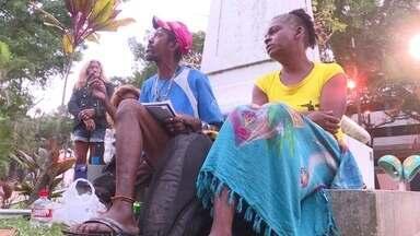 Moradores de rua criticam abrigos públicos - Moradores de rua criticaram as situações dos abrigos públicos da prefeitura. Metade deles são de outros estados.