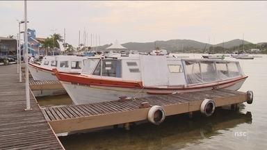 Prefeitura faz repasse, e barcos voltam a fazer transporte na Costa da Lagoa normalmente - Prefeitura faz repasse, e barcos voltam a fazer transporte na Costa da Lagoa normalmente