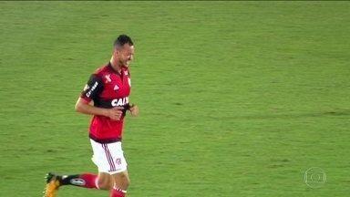 Cheio de desfalques, Flamengo treina forte para duelo importante contra o Palmeiras - Cheio de desfalques, Flamengo treina forte para duelo importante contra o Palmeiras.