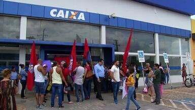 Manifestantes protestam contra reforma trabalhista em Palmas - Manifestantes protestam contra reforma trabalhista em Palmas