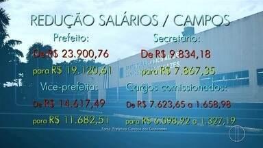 Salários de prefeito, vice e secretários de Campos, RJ, são reduzidos em 20% - Assista a seguir.