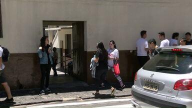Cerca de 30% dos candidatos não fizeram a segunda prova do Enem em Ponta Grossa - 8 mil estudantes estavam inscritos. Gabarito sai até o dia 16.