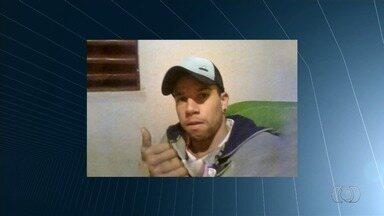 Família de jovem baleado no trânsito de Goiânia cobra justiça - Coronel da PM se apresentou à polícia e confirmou ter feito o disparo. Rapaz segue internado.