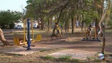 'Até Quando' cobra conserto de academia ao ar livre na zona norte de Ribeirão Preto - Problema foi registrado pelo Jornal da EPTV há seis meses.